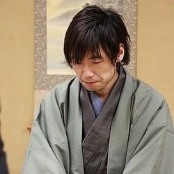 「第2回将棋電王戦」第二局で佐藤四段敗れる、現役プロ棋士がコンピュータに初の敗北