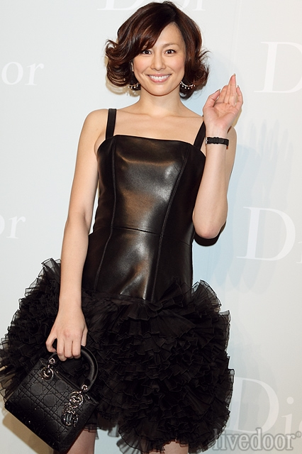 new style 51682 0e1c7 米倉涼子、130万円の高級ドレス「可愛らしいデザインに一目ぼれ ...