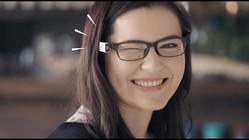ウインクするだけで見たままの風景が撮影できる! メガネに取り付けるウェアラブルカメラ『BLINCAM』が便利そう