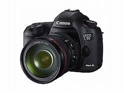 EOS 5D Mark ?(EF24-105mm F4L IS USM装着時)