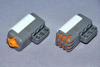 左がタッチセンサー、右が音センサー