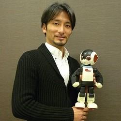 デアゴスティーニ 週刊『ロビ』が品切れ続出の大人気! 生みの親・高橋智隆氏に訊く——「ロビ」が切り開く家庭用ロボットの未来 (1) バーチャルな方向に行き過ぎた反動で、みんなリアルなモノが恋しい