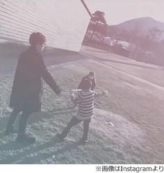 """益若つばさが""""長男と遊ぶFukase""""動画公開、一部ファンから反発も。"""
