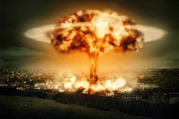 「核爆発時の最適な避難方法」を数学者が計算