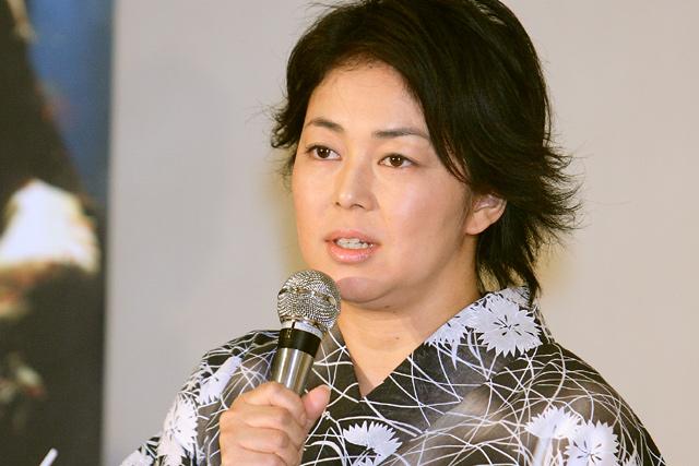 お笑いコンビのオセロ、中島知子。劇中では、シングルマザーの決意をした妊婦を演じる。<br>(会場:東京・明治記念館、撮影:野原誠治)