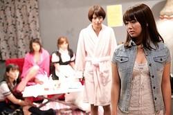 大型新人AV女優の登場で再びドタバタ劇が…  - (C) ストレイドッグプロモーション