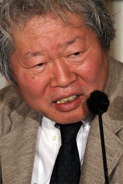 「ライブドア事件は闇社会へつながる」と語るジャーナリストの立花隆氏(撮影:吉川忠行)