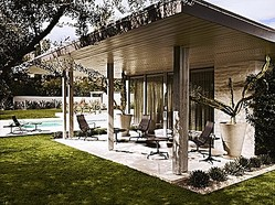ハーマンミラー、イームズとジョージネルソンの屋外用家具販売