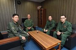 海上自衛隊クルーが語るYS-11
