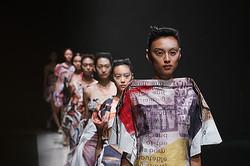 NOZOMI ISHIGURO Haute Couture、2013春夏の最新コレクション