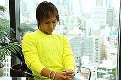 アパレルから小物雑貨へと、複数のファッションブランドを展開し、2007年の創業から8年目で売上高100億円へと急成長を遂げているSMbrandの代表取締役の松田周氏(31)(写真)に、ブランド戦略と今後の展望を聞いた。