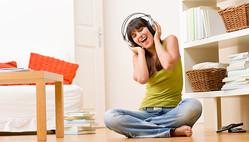 休日音楽のおすすめ5選!家事をサクサク進める気分のアゲ方|ブルーノート東京