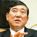 元・農林水産大臣、そして防衛大臣の石破茂が語るTPP問題と国防。2012年、日本はどこへ向かうのか。そしてその舵を取る政治家は? 若い世代へ「政治家のウソを見抜け」と語る
