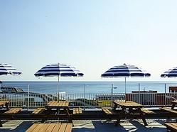 江ノ島に「THE BEACH HOUSE」オープン 海沿い一帯で唯一のBBQを用意
