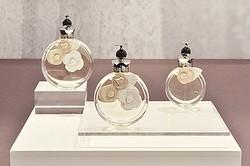 VALENTINOの新しい香水「ヴァレンティナ」日本上陸、3月発売