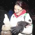 台湾でも記録的な寒さで積雪 雪を一目見ようとする車で渋滞発生も
