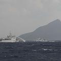 中国船が尖閣諸島周辺の日本の領海に侵入「我々の釣魚島の領海内」