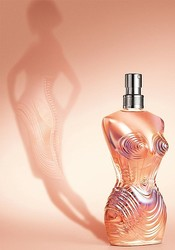 20周年ゴルチエ香水「クラシック」エイミー・ワインハウスに捧げる新作発売