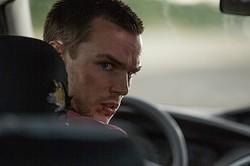 ニコラス・ホルト、速度無制限の高速道路を高級車でブッちぎる!  - (C) 2015 IM GLOBAL FILM FUND, LLC ALL RIGHTS RESERVED