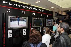 東京・銀座のソニービルで開催中の「PS3」体験会。19日まで、午前11時から午後7時まで。(撮影:吉川忠行)