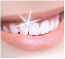 食べるだけでOK!輝く「白い歯」をつくる食べ物「パイナップル」「いちご」