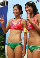 今季最終戦で予選突破を決め、テンションの高さが伺える二人(写真左から西堀、浅尾 / Photo by B.O.S.)