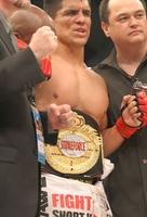 MMA界の伝説の男、F.シャムロックがキャリア13年目で4つ目のベルトを手中にした!