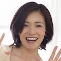 """37歳、2児の母。大人AKB48の""""まりり""""こと塚本まり子さん。初グラビア撮影日の朝は、しっかりご飯を食べてきたそうです"""