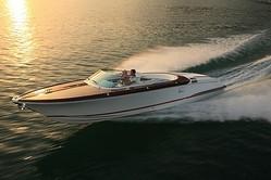 グッチとリーヴァ社 豪華オーダーメイドボートを発表