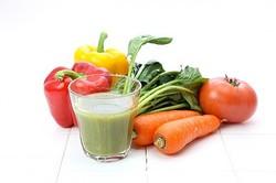 葉野菜でアンチエイジング!グリーンスムージーがなぜ良いのか?「体内の消臭効果もあり」