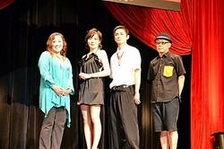 完成披露試写会に登壇した、左より、中上紀、鈴木杏、高良健吾、廣木隆一監督/[C]2011「軽蔑」製作委員会
