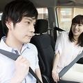 気が利くな〜! 男性が「ドライブ中、眠くなったときに彼女にされるとうれしいこと」3選