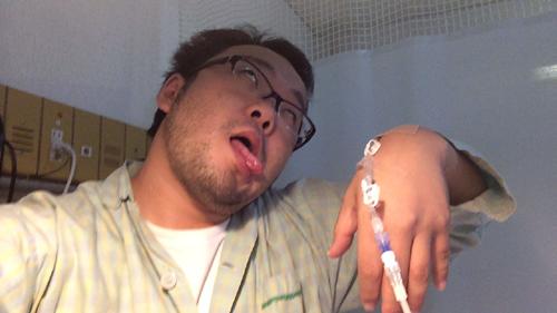 脳こうそくで入院中の佐藤秀峰氏から驚愕の写真とメッセージ 「見捨て ...