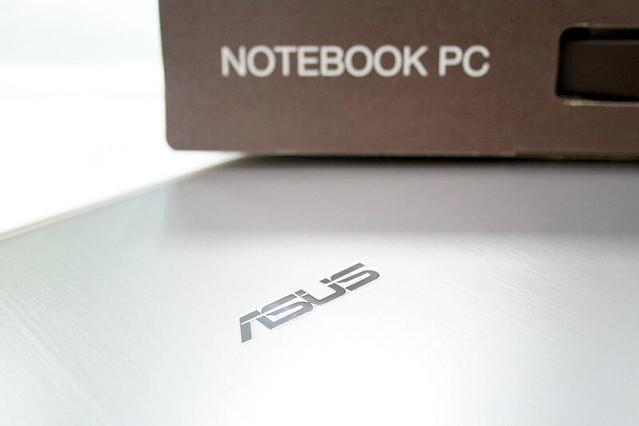 発売日にゲット成功! Windows 8搭載「ASUS VivoBook X202E」開封レポ
