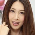 グラドルの小林恵美が月収の激減を告白 一因にはAKB48も