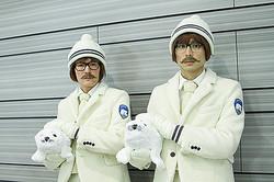 北極紳士「ハリー&タイラー」国内初ゲリラショーが話題