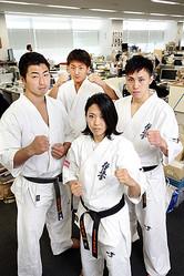 左から、鎌田翔平選手、南原健太選手、太田菜月選手、高橋佑汰選手