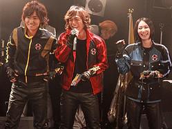 ライブに飛び入り参加した山本康平、塩谷瞬、長澤奈央(左から)