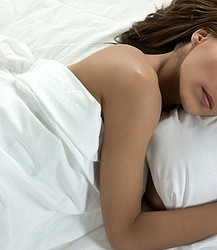 裸で眠ると「イイことばかり」と米専門家(画像はイメージです)