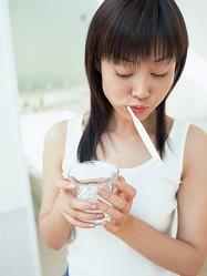 アルコール成分に注意!口臭予防のマウスウォッシュで、逆に口臭が増えることも?