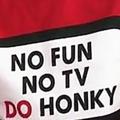 27時間テレビの番組公式Tシャツに白人侮蔑の英語 在日外国人らが指摘