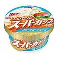 「明治 エッセル スーパーカップ フルーツヨーグルト味(香料使用)」(税別130円)