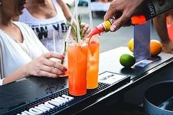 やっちまった……。女性がお酒に飲まれてやってしまった失敗4選「ハゲている人に『ハゲ』」