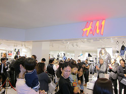 SC出店続く「H&M」千葉初出店にファミリー行列