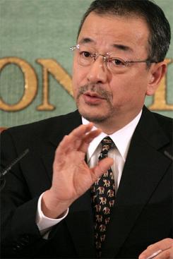 24日、日本記者クラブで会見したライブドアの平松社長(撮影:吉川忠行)