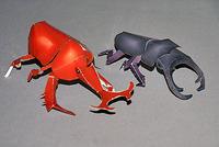 クラフトモデル「昆虫採集」の完成!左が「カブトムシ」、右が「クワガタムシ」
