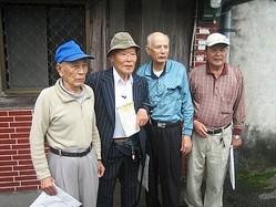 長い年月をこえて再会を果たした湾生たち  - (C)田澤文化有限公司