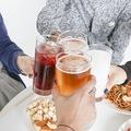 「空気を読んで」増加する若者飲酒トラブル、「同調圧力」の危険性