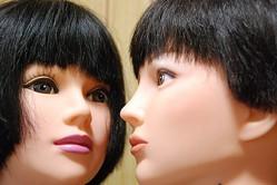 黒髪女子と茶髪女子、印象の違い