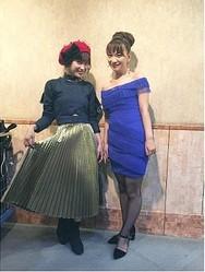 『UTAGE!』衣装の高橋愛と保田圭(出典:https://www.instagram.com/i_am_takahashi)
